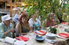 Kulinarne warsztaty międzypokoleniowe_Zielony Jazdó_Kwiaty jadalne_Fundacja ZACZYN-11