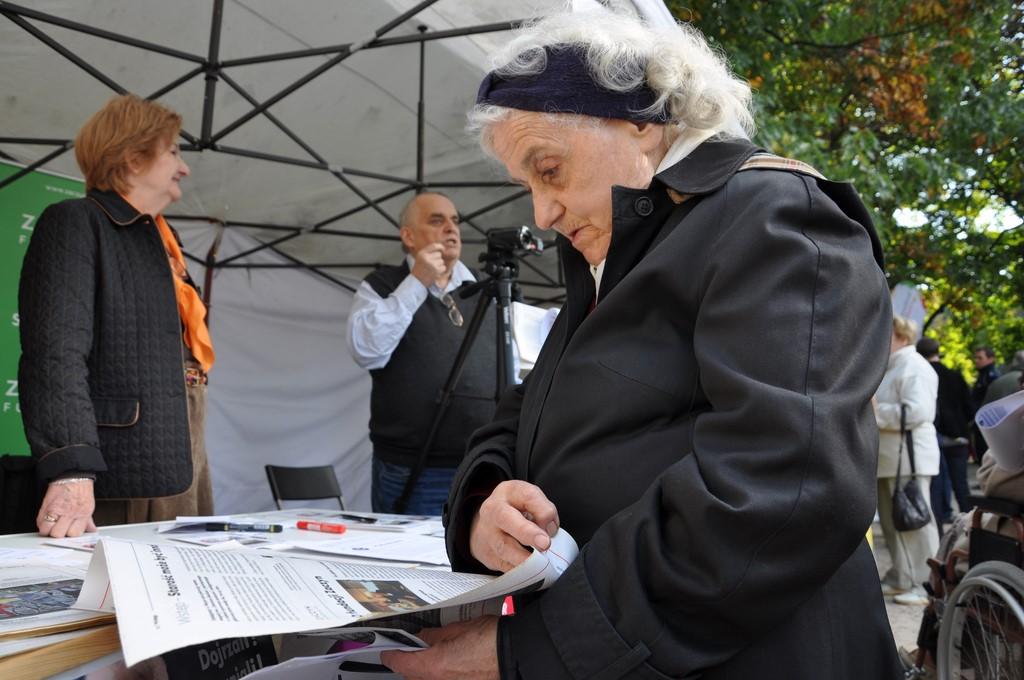 Piknik MiędzynarodowyDzień Osób Starszych, Ogród Saski 2014 - Fundacja ZACZYN  (67)