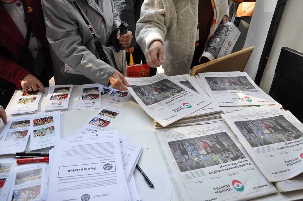 Piknik MiędzynarodowyDzień Osób Starszych, Ogród Saski 2014 - Fundacja ZACZYN  (52)