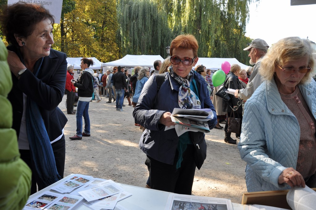 Piknik MiędzynarodowyDzień Osób Starszych, Ogród Saski 2014 - Fundacja ZACZYN  (51)