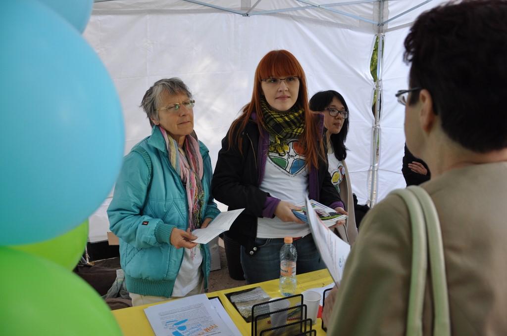 Piknik MiędzynarodowyDzień Osób Starszych, Ogród Saski 2014 - Fundacja ZACZYN  (100)