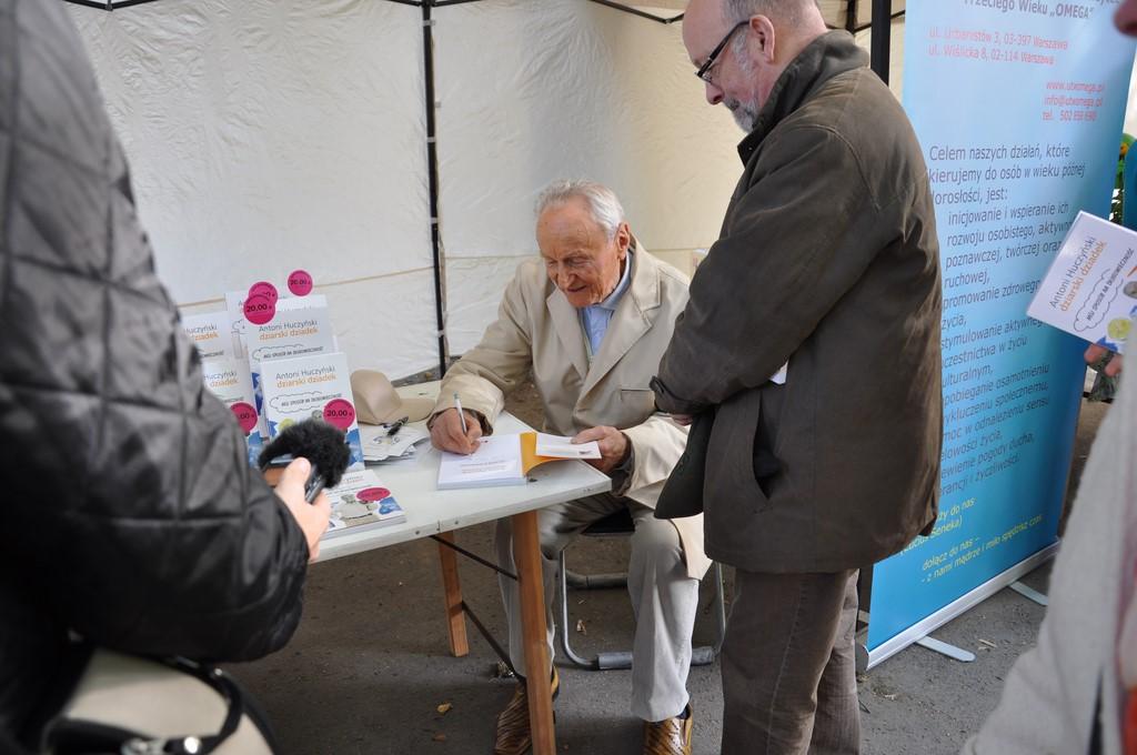Piknik MiędzynarodowyDzień Osób Starszych, Ogród Saski 2014 - Fundacja ZACZYN  (41)