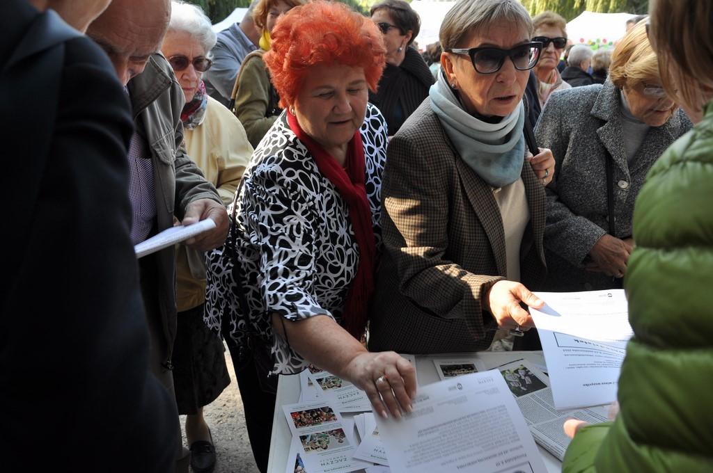 Piknik MiędzynarodowyDzień Osób Starszych, Ogród Saski 2014 - Fundacja ZACZYN  (53)