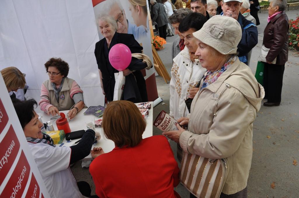 Piknik MiędzynarodowyDzień Osób Starszych, Ogród Saski 2014 - Fundacja ZACZYN  (36)