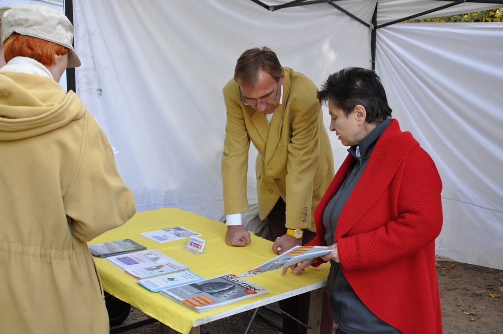Piknik MiędzynarodowyDzień Osób Starszych, Ogród Saski 2014 - Fundacja ZACZYN  (30)
