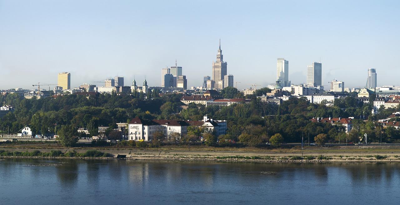 http://pixabay.com/pl/warszawa-polska-miasto-wis%C5%82a-698416/